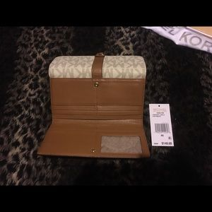 ca59b86951b6f4 MICHAEL Michael Kors Bags - Michael Kors Charlton Flap Wallet Vanilla/Gold